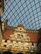 Schloss unter Kuppel 2